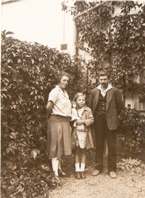 herta-with-parents